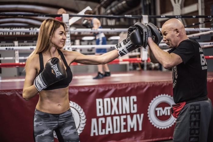 Девушка Академия бокса фото