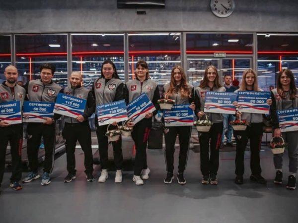 Призеры ЧР среди женщин в Академии бокса фото